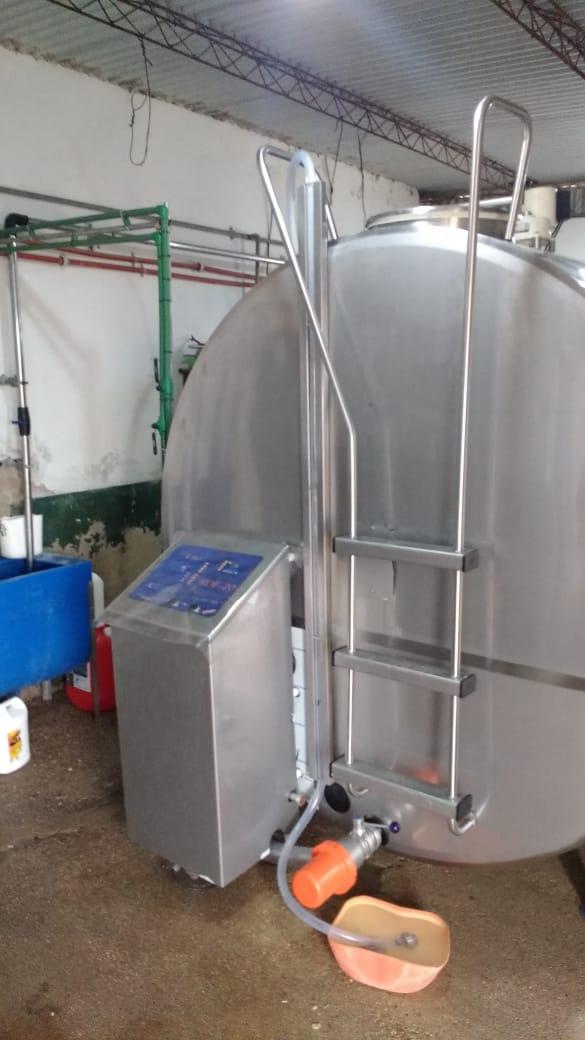 Fabricación e Instalación de Enfriador de Leche de 8.000 litros en San Basilio, Córdoba.