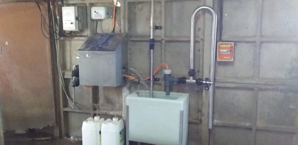 Instalación de Brazos de Posicionamiento M-18, con Extractores Automáticos de Pezoneras e Instalación de Lavado Automático Programable en Ballesteros, Córdoba.