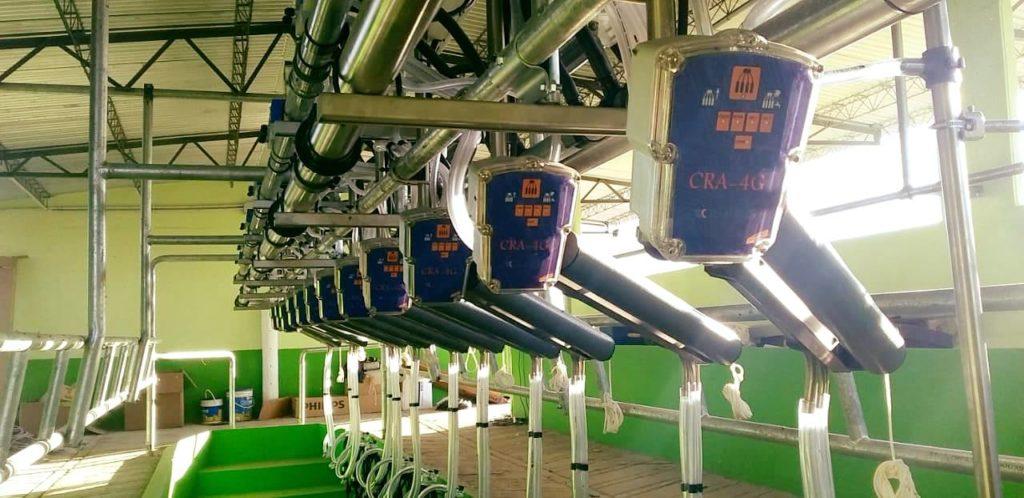 Colocación de Equipo de Ordeño Millenium de 12 bajadas con Brazos de Posicionamiento y Extractores Automáticos de Pezoneras en Freyre, Córdoba